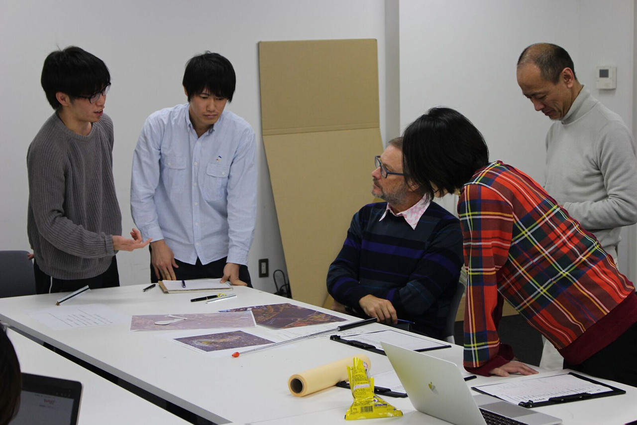 Jeff Brock teaching at Tokyo University of Science
